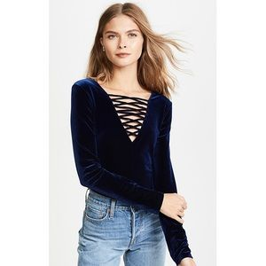 NWT Bailey 44 Coven Top